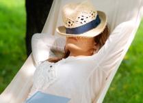 A nőknek tényleg több alvásra van szükségük, mint a férfiaknak?